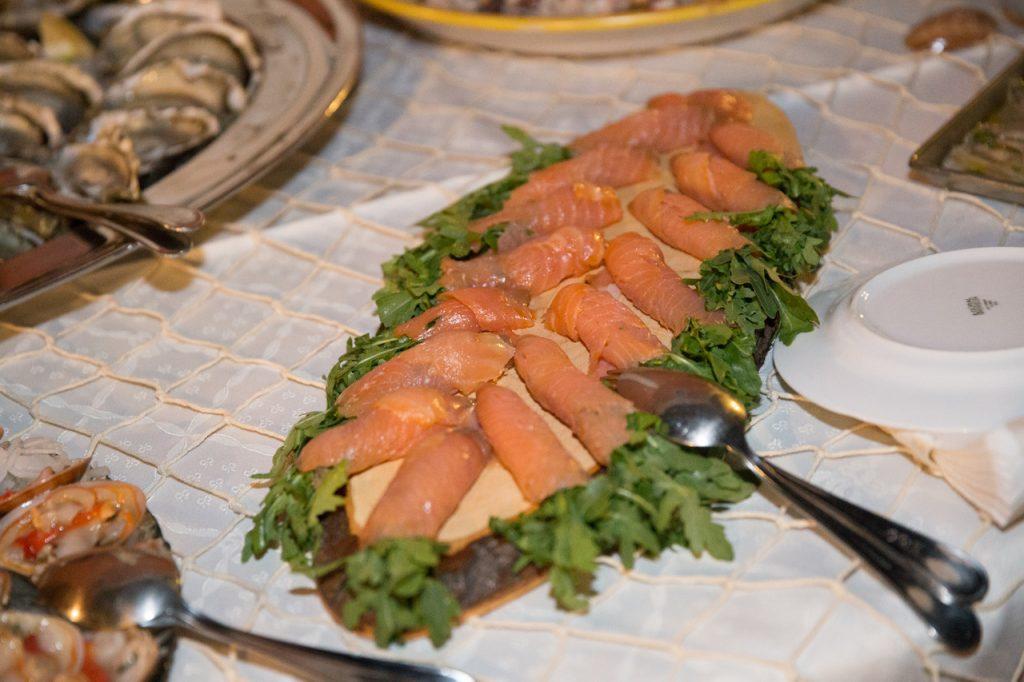 Villa Giuffrida Zafferana Etnea uno scorcio di Buffet a base di pesce