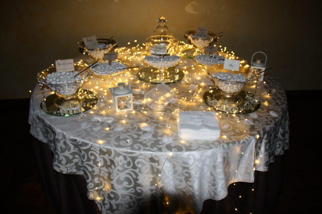 Ricevimenti Catania : Il tavolo della confettata di Villa Giuffrida
